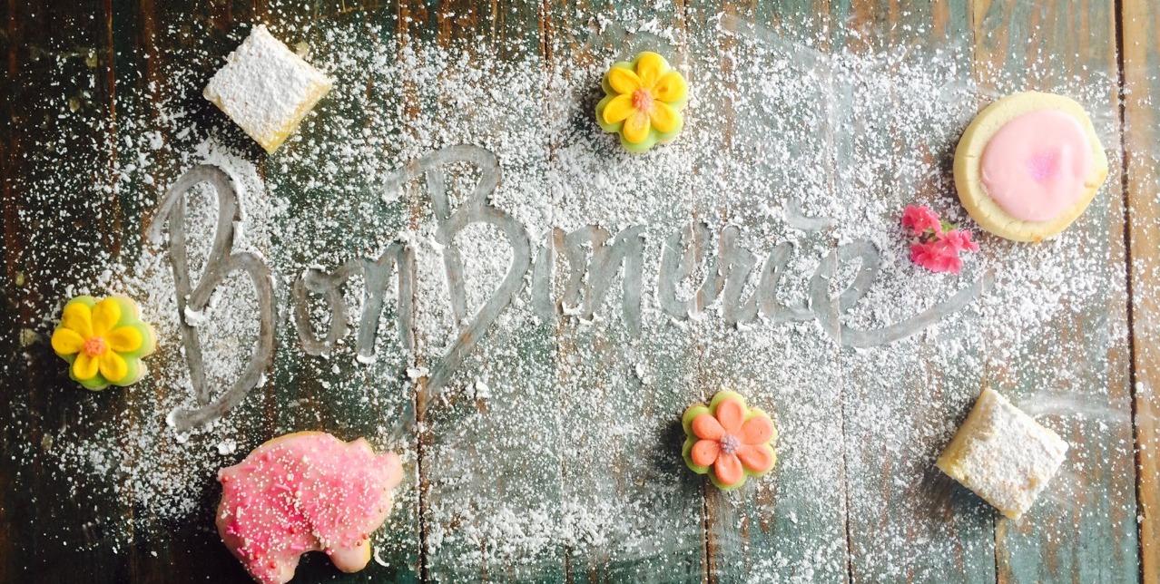 BonBonerie written in powdered sugar