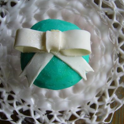 Tiffany bow $5.00