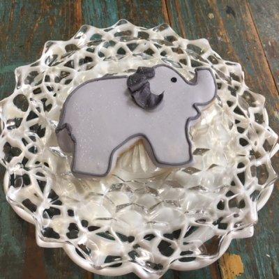 elephant $3.25
