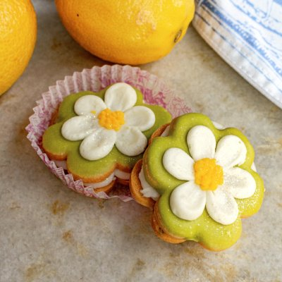 Lemon Poppyseed Flower